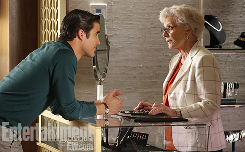 Glee (season finale - Season 4) Darren Criss and Patty Duke